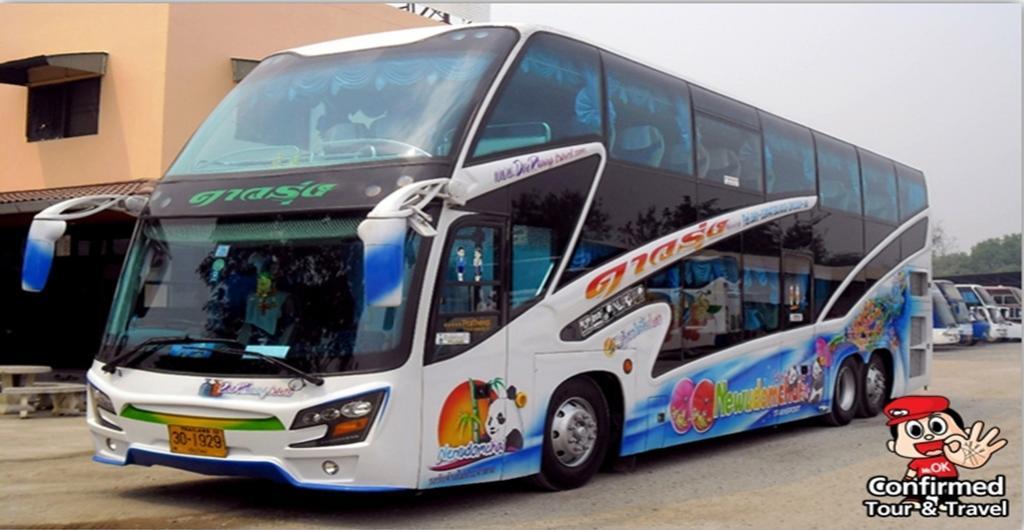 รถโค้ชปรับอากาศ 8 ล้อ 2 ชั้น 50 ที่นั่ง อู่จอด : ศรีราชา ชลบุรี